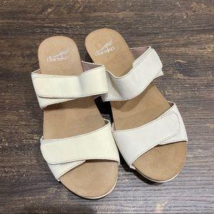 Dansko Vienna Velcro Milled Oyster Nubuck Sandals